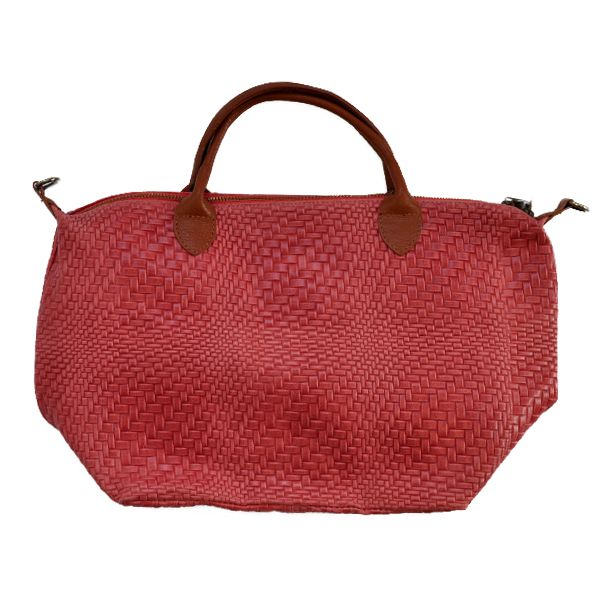 Beautiful bags now available at #Nicci #NicciSS17 #coral
