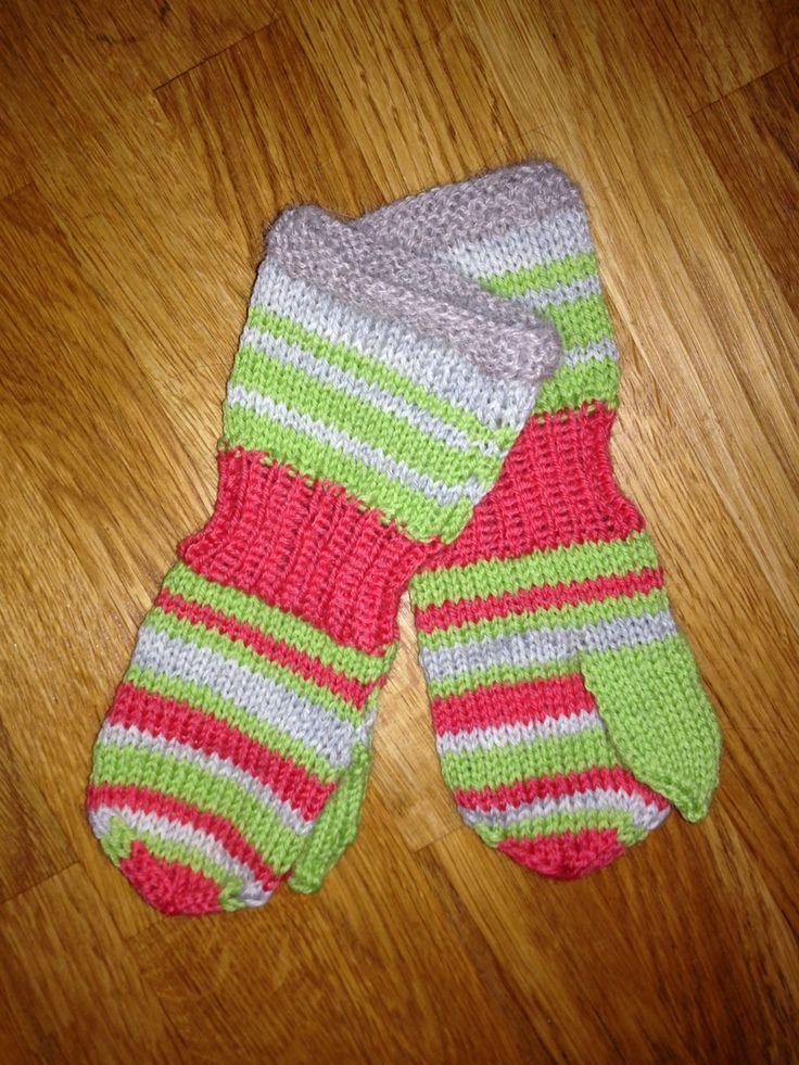 Barnehagevotter, sisu, sandnes garn, restegarn, strikk til barnehage barn av Tove Fevang