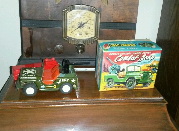 Vintage tin battery operated combat jeep AHI made in japan boxed working KO