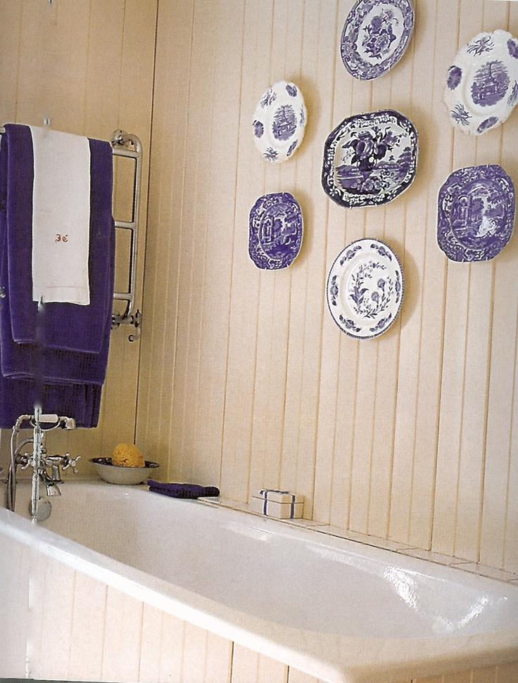 A Plate Collection Can Be Displayed In A Variate Of Rooms, Such As The  Bathroom. A Beige Wall Is A Great Backdrop To A Collection Of Cobalt Blue  And White ...