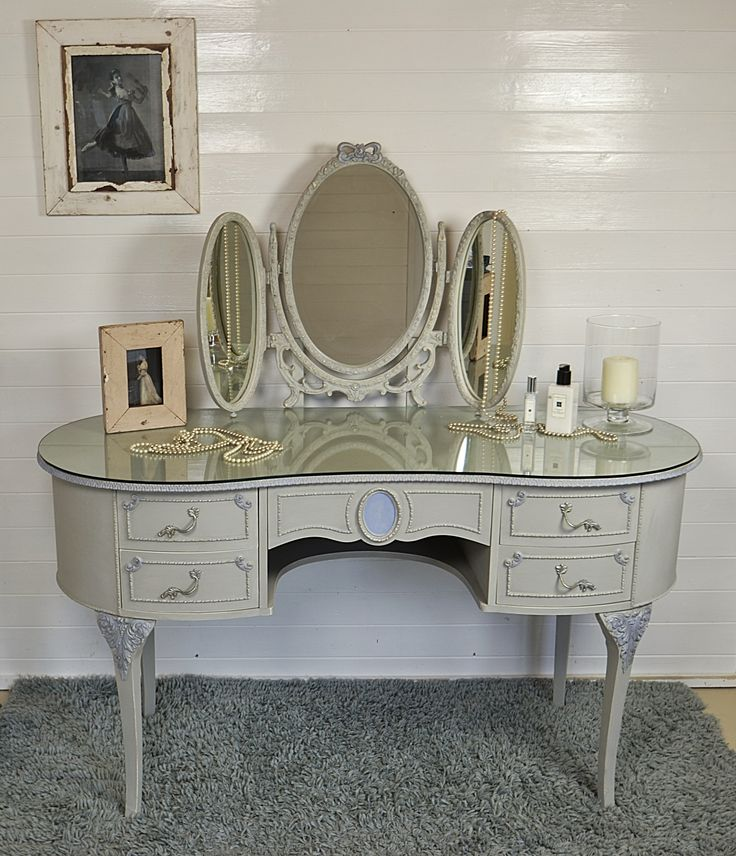 French Louis Dressing Table With 3 Tier Mirror