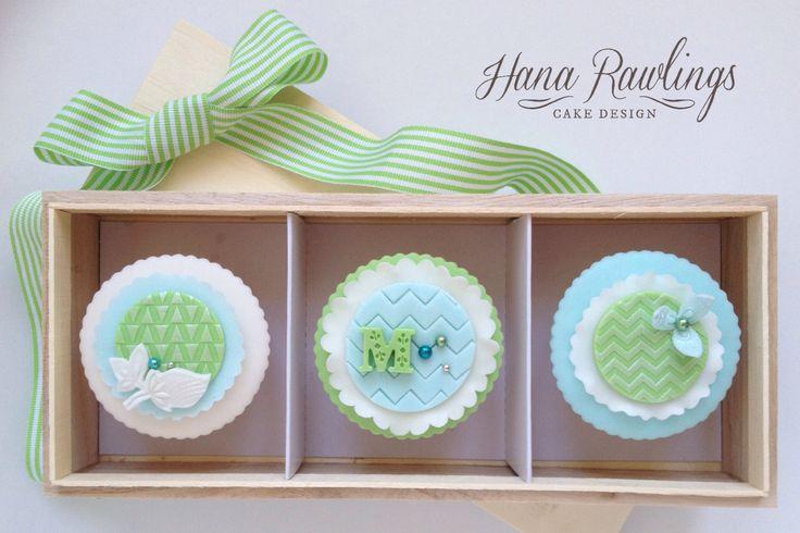 Trendy chevron cupcakes