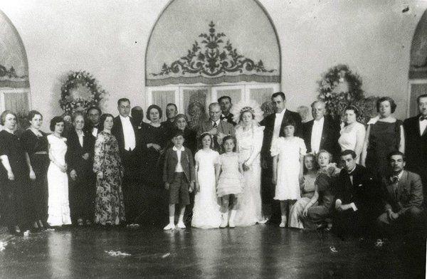 Mv Halit Hami Menginin kızının düğününde 1937
