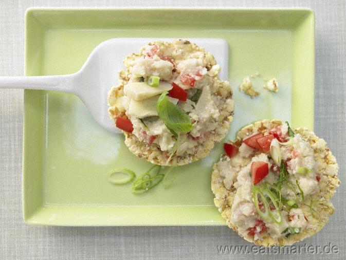 Artischockencreme auf Maiswaffeln mit Mandeln - smarter - Kalorien: 72 Kcal   Zeit: 30 min.
