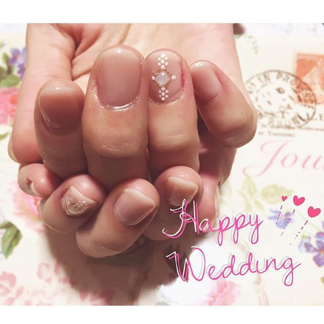 挙式する友人に✨ そのままお仕事にも支障がない感じでシンプル系!  #happywedding  #結婚式ネイル #花嫁ネイル #ブライダルネイル #nail#nails #nailart #nailstagram #instanails #nailphoto#instagood#美甲#네일#fashion#cute#beauty#ネイル #セルフネイル #セルフネイル部 #ジェルネイル #エースジェル  #秋ネイル #シンプルネイル #オフィスネイル
