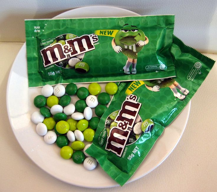 Why do green m&m's contain Red 40?