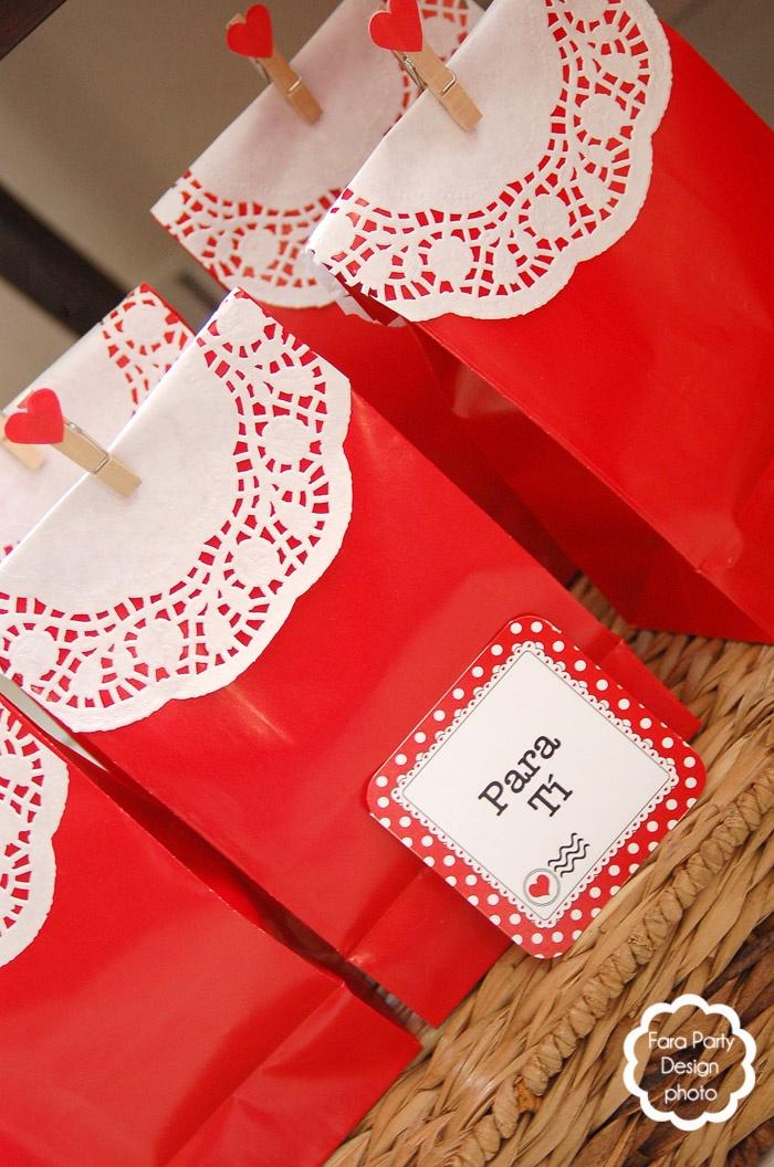 Hermosas bolsas de regalo por farapartydesign.com