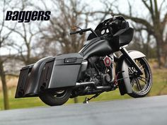 Check out DD Customs murdered out custom 2010 Harley-Davidson Road Glide bagger.