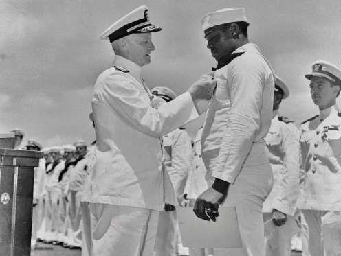 1942: DORIS MILLER BECOMES FIRST AFRICAN-AMERICAN TO RECEIVE NAVY CROSS