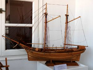 Photo of a wooden ship made by hand ... Mr Triantafillos Mpountalas