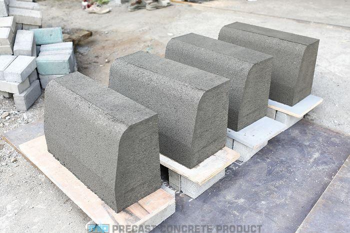 Jual kanstin beton (precast) jalan trotoar harga murah dari pabrik Megacon. Tersedia berbagai type, spesifikasi, & ukuran kanstin standar. 📞 0819 3299 8507