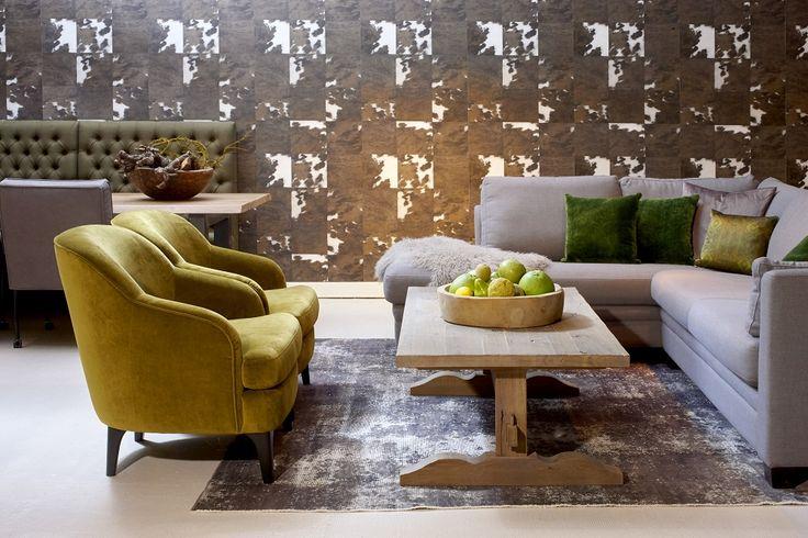 Mooi wonen is een kunst. Het vraagt om een creatieve artiest. De interieurstylisten van Mart weten wat kunst is. Landelijk wonen, bank, stoelen. www.martkleppe.nl
