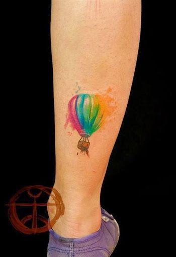 63 exemples de tatouage tournesol en photos - 22 https://tattoo.egrafla.fr/2016/02/12/modeles-tatouage-aquarelle/