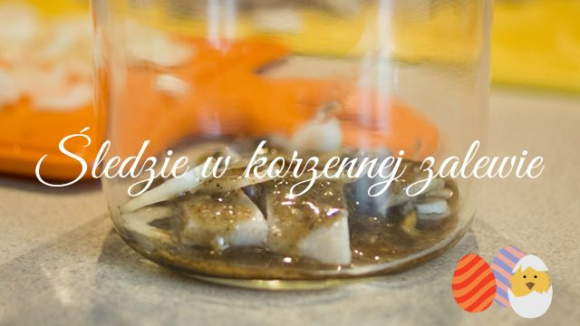 Śledzie w korzennej zalewie   Herring in a spicy marinade http://thecarolinasbook.net/sledzie-w-korzennej-zalewie-herring-in-a-spicy-marinade/