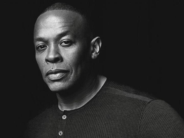 Во время выпуска популярного радиошоу The Pharmacy легендарный американский хип-хоп исполнитель Dr. Dre представил свою новую композицию Back to Business.   Примечательно что в записи новинки принял участие целый арсенал рэперов: Justus Victoria MonetT.I. и Sly Piper. На данный момент ничего неизвестно о дальнейшей судьбе песни как и то получит ли она официальный релиз.   В прошлом году в продажу поступил третий студийный альбом Dr. Dre Compton проданный в США тиражом свыше 490 тысяч копий…