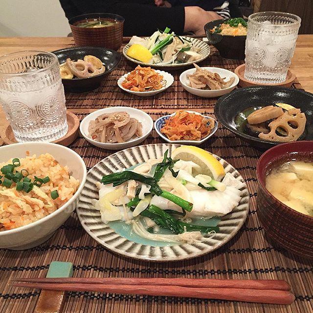 hi_rose80 on Instagram pinned by myThings Today's dinner .  油揚げと人参のおこわと塩鱈の酒蒸しでこんばんは☺︎ . .  もち米が残ってたのを思い出して、あるものでおこわに。 .  あとは常備菜だらけ .  食べたかった和食! .  ごちそうさまでした! . .  #dinner #homemade #japfood #japanesefood #japanesemeal #foodie #foodpic #foodporn #kaumo #kurashirufood #cookingram #delistagrammer #デリスタグラマー#クッキングラム#夕飯#夕食#晩ごはん#おうちごはん#和食#新米ママ #男の子ママ #生後9ヶ月 #9months #5月生まれ
