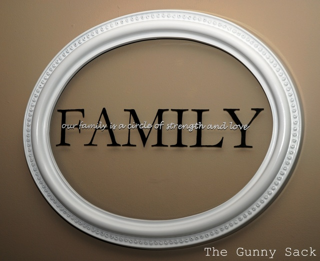 make a Family Wall HangingWall Hangings, Families Wall Art, Gift Ideas, Family Wall, Hanging A Pictures, Families Room, Tutorials Tuesday, Pictures Frames, Gunny Sack