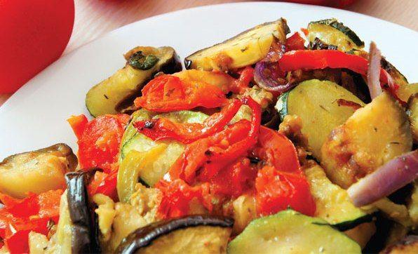Canınız patlıcan yemek istedi ama farklılık arıyorsunuz ya da dolapta fazlasıyla patlıcan var ve değerlendirmek istiyorsunuz. O zaman tam size göre 6 leziz tarifimiz var. İşte patlıcanla ...