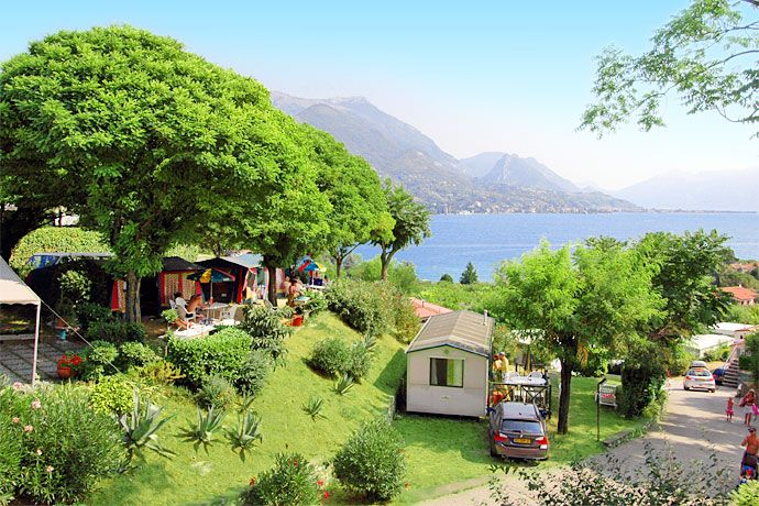 Camping Eden - San Felice del Benaco ... Garda Lake, Lago di Garda, Gardasee, Lake Garda, Lac de Garde, Gardameer, Gardasøen, Jezioro Garda, Gardské Jezero, אגם גארדה, Озеро Гарда ... Welcome to Camping Eden San Felice del Benaco. The Village Camping Eden is situated in one of the most panoramic points of the South-West Garda Lake, in an area rich of traditions, history and cooking; just in front of the lake, dipped in scents and colours of a blooming natu