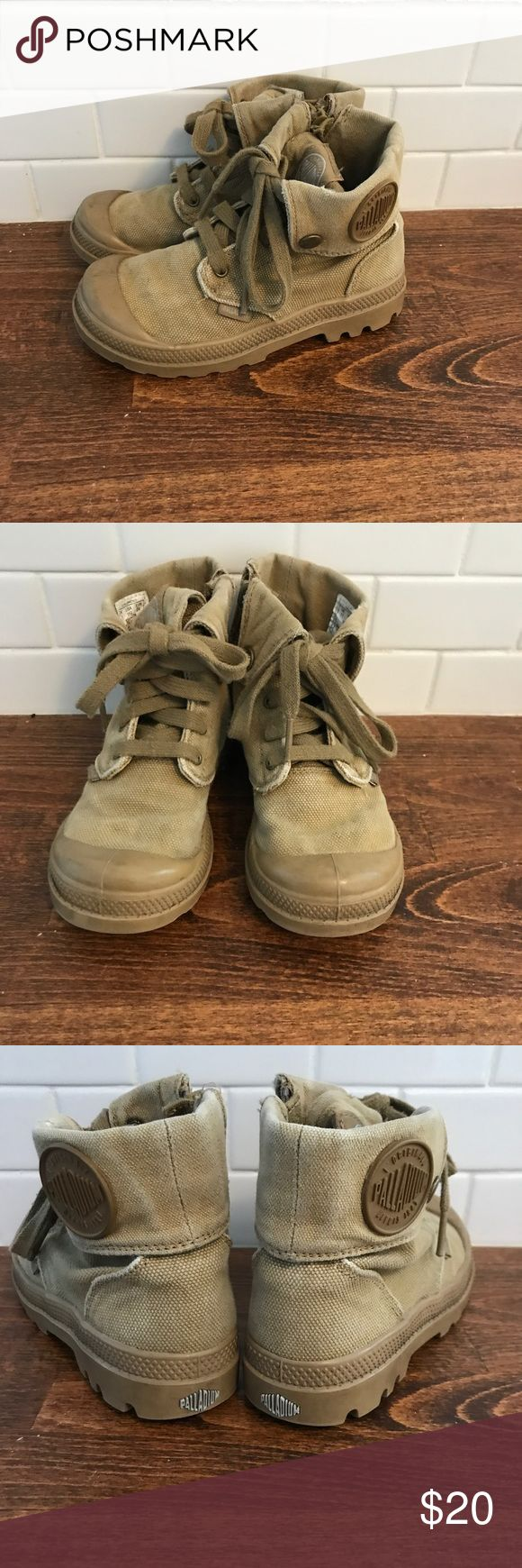 Palladium kids 11.5 Kids Palladium size 11.5 in a kaki color. These are the cutest shoes ever! My little girl wore them, but they would also be adorable on a boy! So easy to put on, zippers on the side. And go with everything! Palladium Shoes Boots