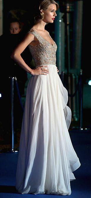 Reem acra taylor swift dress color