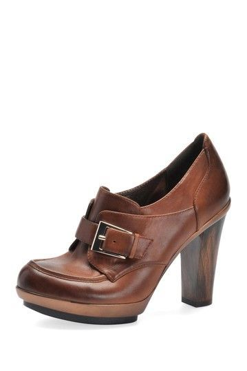 Sofft Nickelby Loafer in tobacco cognac brown leather heels.