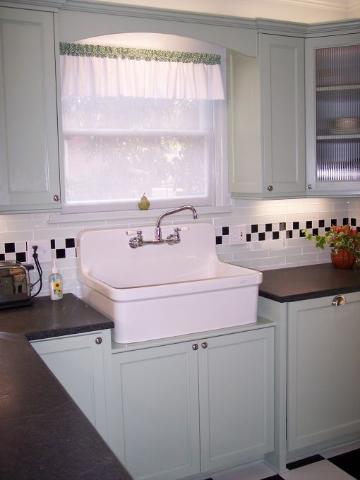 Small Kitchen Design And Layout
