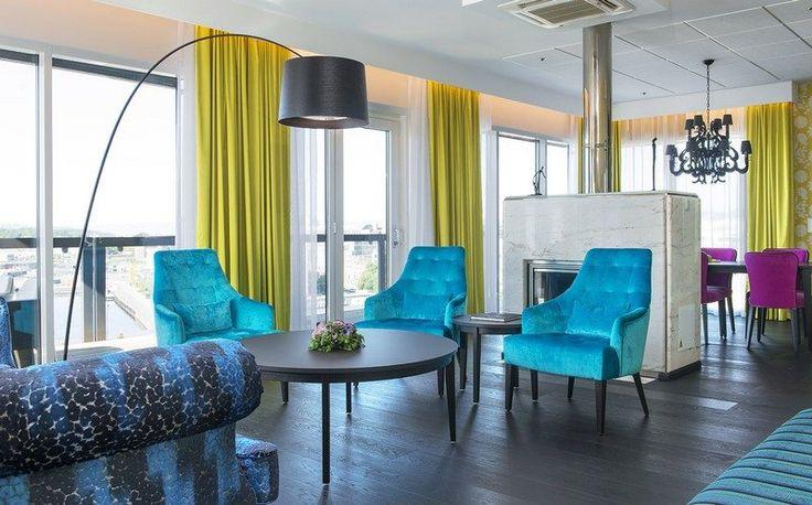 Les 25 meilleures id es concernant rideaux turquoises sur - Fauteuil turquoise contemporain ...