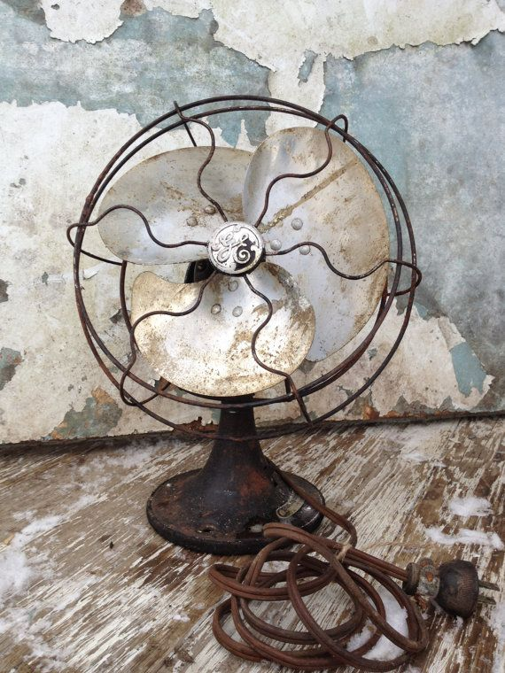 Vintage Fan/GE/Industrial Decor/Steampunk Decor/Masculine Decor/Minimalist/Simple. #athomewihSA. Dumb old fans  :)