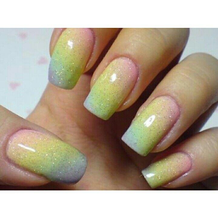 #Unhas de #arco-íris: veja como fazer, passo a passo    Saiba mais, acessando: http://bit.ly/1tcrNh9    Curta a nossa página no Facebook e acompanhe as novidades da área: http://on.fb.me/1otglf5    #manicure #pedicure #estética #beleza #nails #rainbow