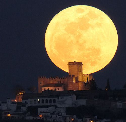 Full moon - Cordoba, Spain