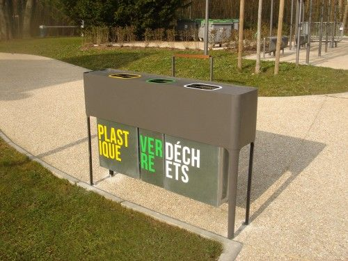 Poubelle de tri selectif design COMOD 3 flux, Guyon, mobilier urbain / Design trash bin, COMOD, Guyon, urban furniture.