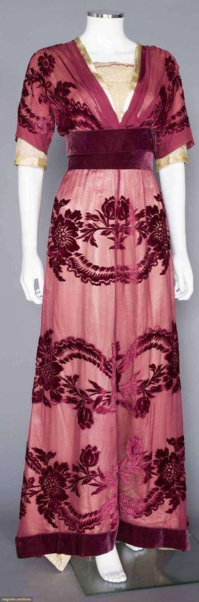 charles worth cut velvet gown, paris, c. 1908 Plum velvet cut to chiffon, lace bodice & undersleeves, wide velvet sash, trained skirt