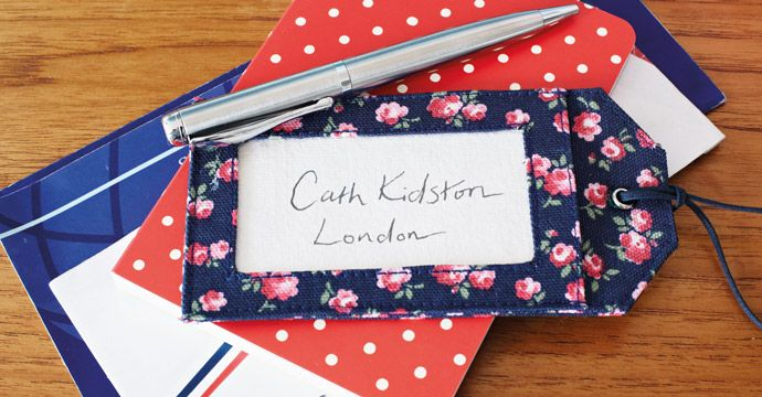 Crafty Christmas: Make your own Luggage Tag