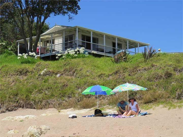 Beachfront Escape - Tapeka Beach Bach