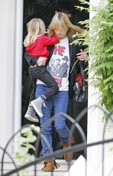 Kate Moss and Lila Grace Moss Photos - Kate Moss Picks Up her Daughter - Zimbio