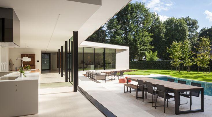 Keller minimal windows: maximum view with bay windows system