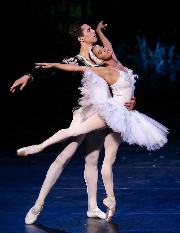 Misty Copeland & Alexandre Hammoudi perform the White Swan pas de deux at the International Evening of Dance I program of the 2015 Vail International Dance Festival. Photo :copyright: Erin Baiano