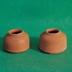 Ceramic bowls for pigeons