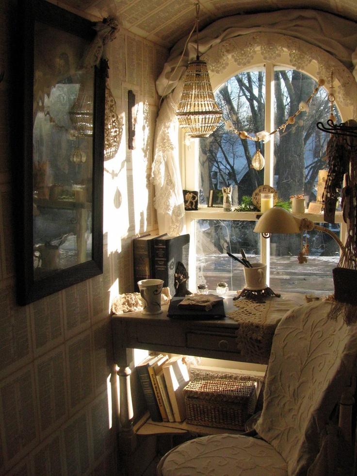 Study Corner Rebecca Ersfield - mind blowing!Dreams Places, Favorite Places, Creative Spaces, Beautiful Interiors, White Heavens, Rebecca Ersfeld, Attic Ideas, Crafty Spaces, Dreams Decor