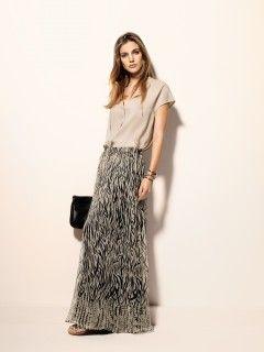La jupe longue chez Liu Jo. Les 8 pièces à shopper aux soldes sur http://www.flair.be/fr/mode/293111/les-8-pieces-a-shopper-aux-soldes