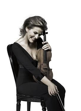 anne sophie mutter sitting, smiling