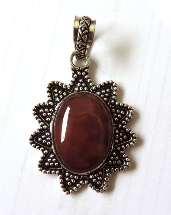 Retro pendant, vintage jewelry, silver and stone, mounted stone, cast silver, faux granulation, ready to wear jewelry, Transylvanian Trove