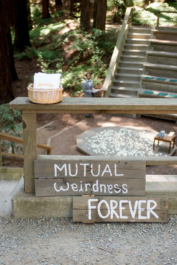 Perfect sign from the most perfect #outdoorwedding #rusticwedding