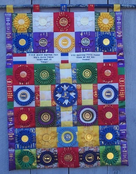 4h+ribbon+quilt+how+to   So you see it doesn't take a lot of ribbons to have a nice piece.