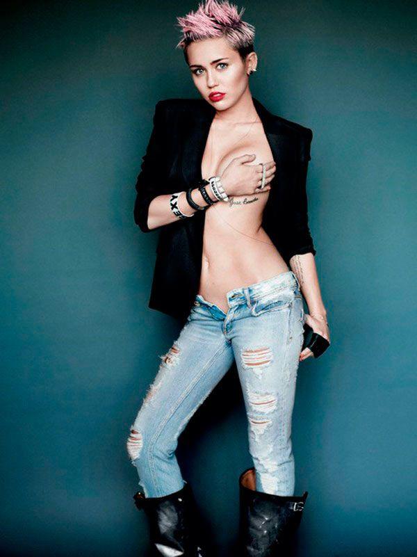 Miley cyrus side boob shot