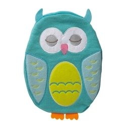 These super cute and practical novelty hot water bottles have a tactile soft cover featuring a gorgeous owl design. Perfect for cold wintry nights, kids and adults alike will love these adorable nocturnal animal hottie bottles. The removable cover is a soft knitted fabric with appliqued felt and embroidery detail. It has a cosy zip-up fleece back to keep the bottle safe inside, whilst providing extra comfort against your skin. #turquoise #owl #noveltyhotwaterbottle #kidsgifts #owlgifts