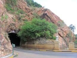 Hartbeespoort dam tunnel - hoot hoot