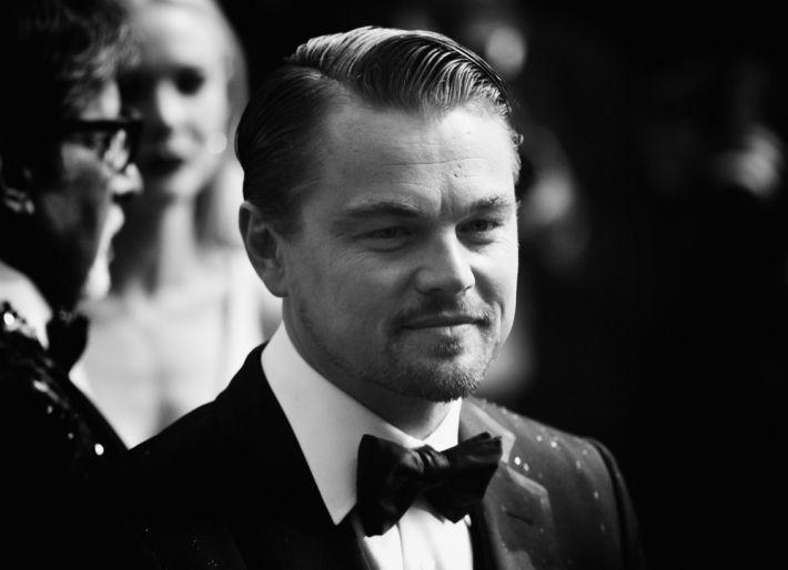 In smoking e capelli impomatati. Leonardo DiCaprio compie 40 anni (Getty)