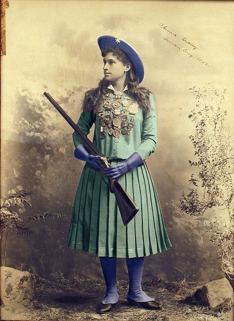 annie oakley a western folk hero from buffalo bills wild west Because not only did he look the part of a western hero like annie oakley and buffalo bill celebrity and frontier hero article buffalo bill's wild west.